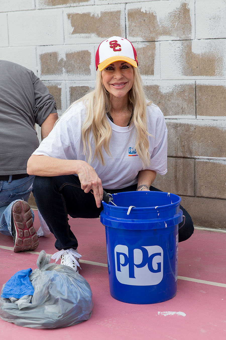 2015-helping-hands-event